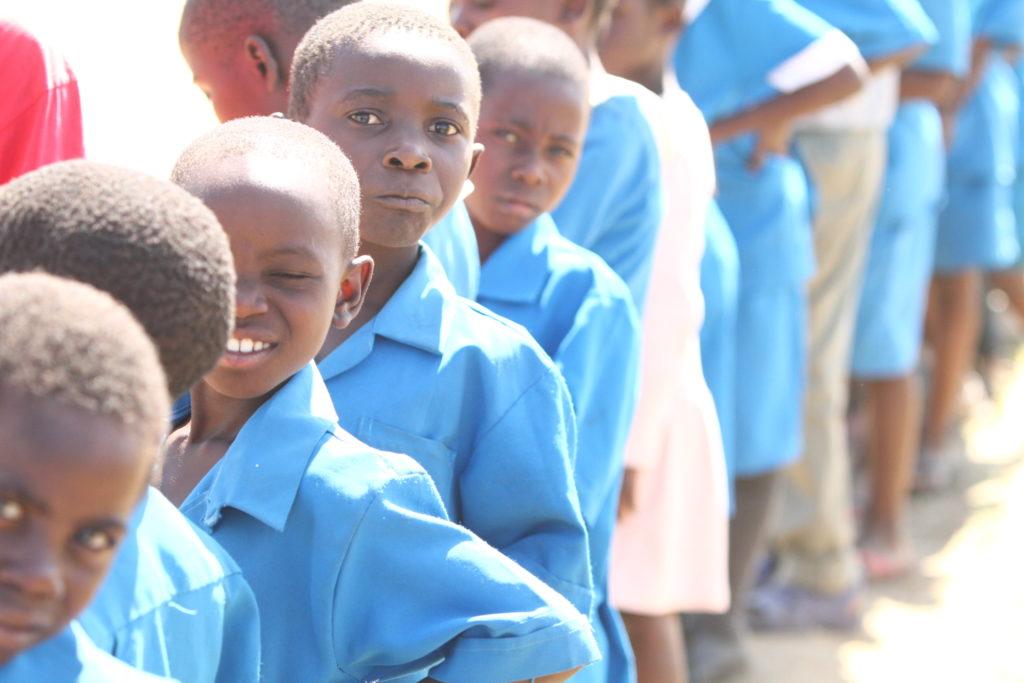 Africia Anthony Robbins Foundation feeding the children