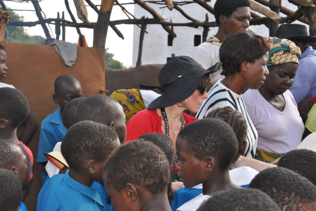 Africia Anthony Robbins Foundation Lisa Lieberman-Wang feeding 1100 children